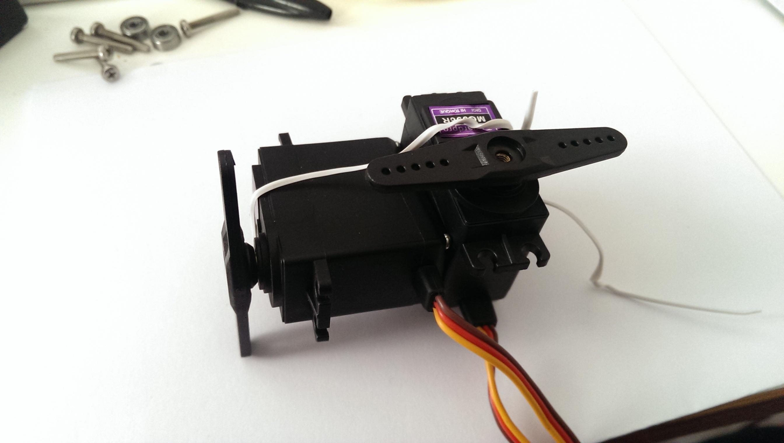 t-shaped servor layout