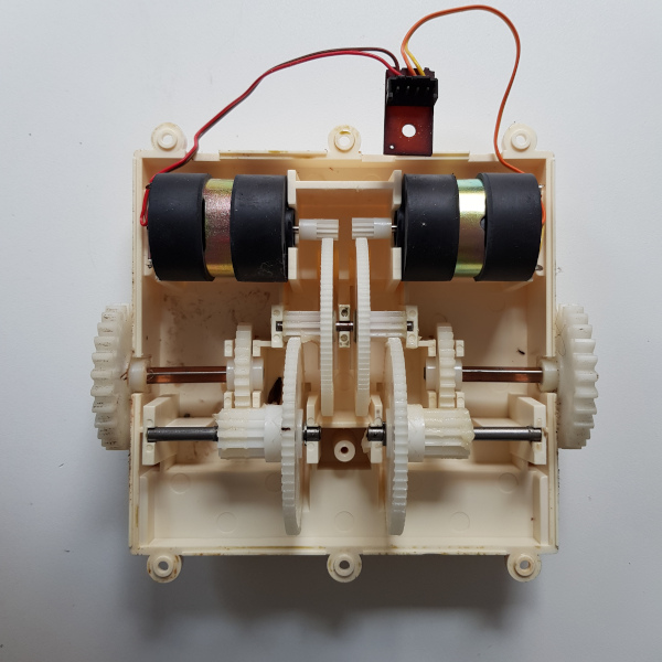 Omnibot 5402 gearbox and motors open